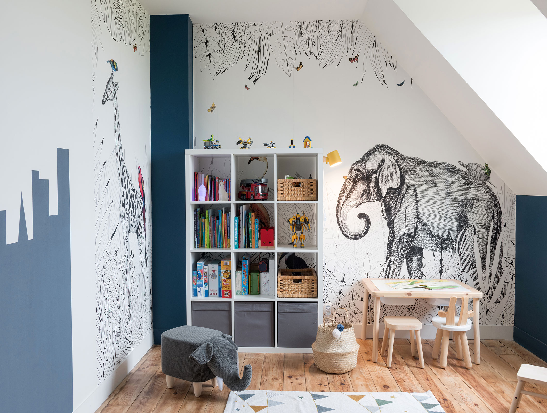 meuble-sur-mesure-bois-metal-bibliotheque-bureau-agence-atmospheres-design-joa-architecture-dinterieur-meuble-design-interioir-design-paris-oise-idee-deco-metrozoo-papier-peint-etoffe